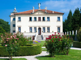 17-La-facciata-sud-della-Palazzina-con-il-giardino-all'italiana